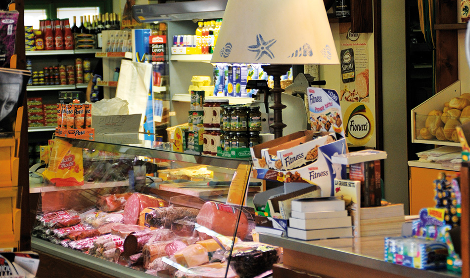 campingalbosco_gastronomie_minimarket